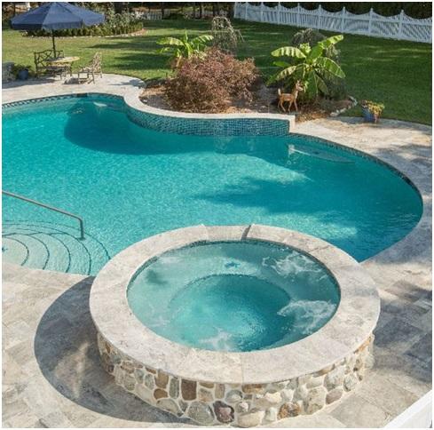 басейн з бетонного кільця